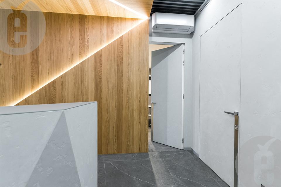 Шпонированные панели для современного офиса